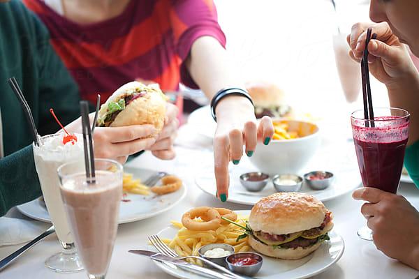 4. Thói quen ăn uống không lành mạnh 1