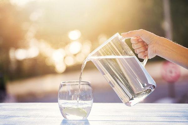 1. Lười uống nước 1