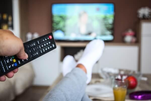 1. Ngồi nhiều/ xem ti vi thường xuyên 1