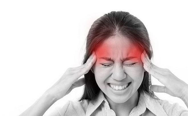 Điều trị đau đầu kinh niên có cần dùng thuốc không? 1