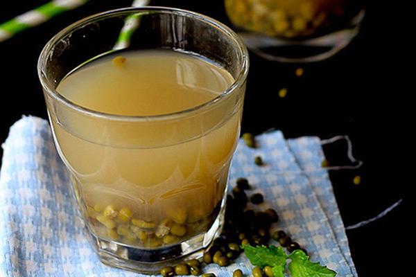 Uống nước đậu xanh 1